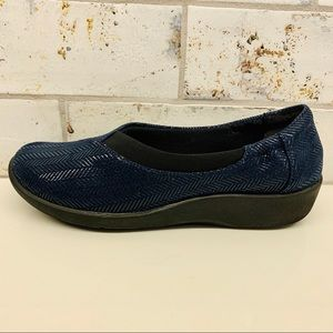 Clarks Navy Cloud Steppers Flats Shoes Size 6